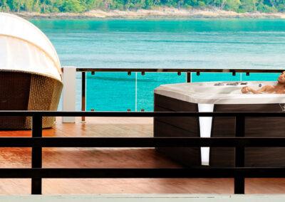 Vířivka Marquis Spas Crown The Resort